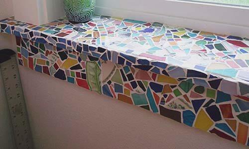 декор подоконника мозаикой